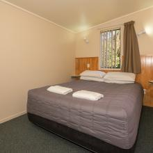 Rotorua's Blue Lake TOP 10 - Motel Units Bedroom queen