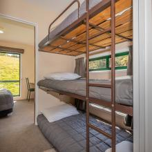 Rotorua's Blue Lake TOP 10 - Ensuite Jayco Cabins Bunks
